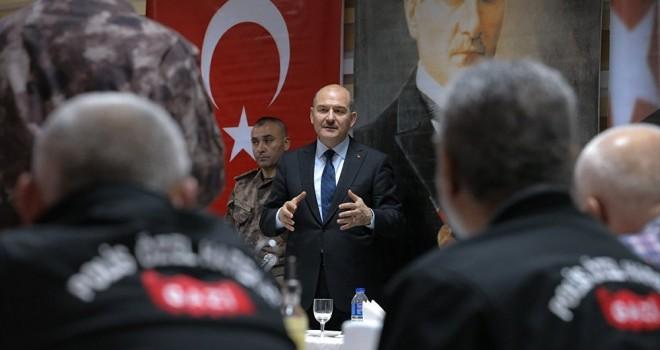 İçişleri Bakanı Soylu: Suriyeliler bizim için imtihan, tahriklere gelmeyelim