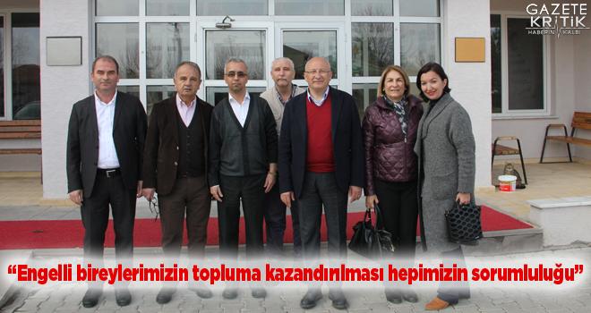 CHP'li Çakırözer Özel Eğitim alan öğrencileri okullarında ziyaret etti