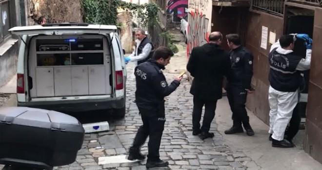 Beyoğlu'nda genelevin bahçesinde düşüp başını vuran adam öldü