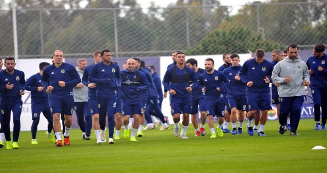 Fenerbahçe kampta ilk kez basına açık çalıştı