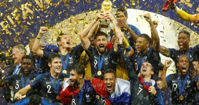 Şampiyon Fransa, dünya basınında: Kupayı göçmenler kazandı