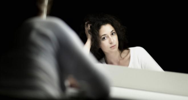 Ece Temelkuran: Sürgünde baskıya direnen cesur kadın romantizminin içine sokulmak istemiyorum