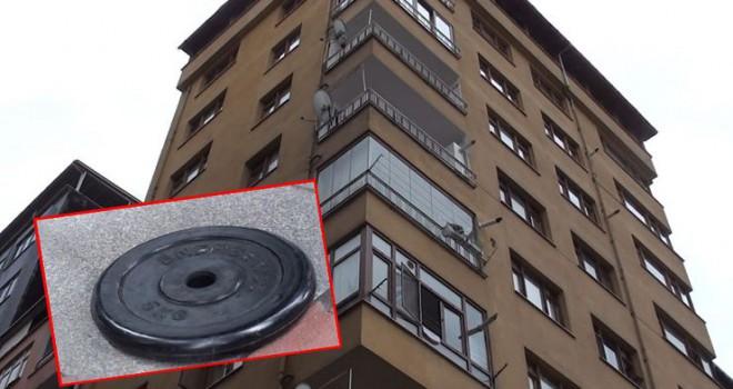 8'inci kattan üzerine 5 kiloluk ağırlık diski düşen şoför yaralandı