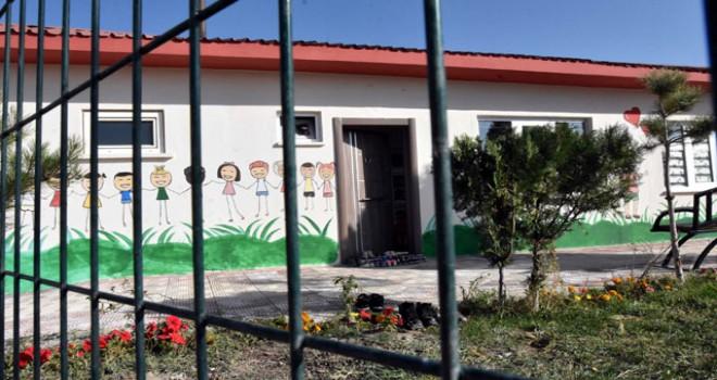 Cezaevinde anneleri ile kalan çocuklar için anaokulu