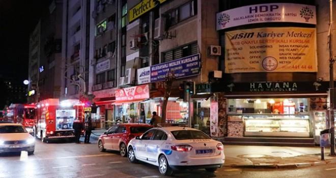 İzmir HDP il binasında yangın!