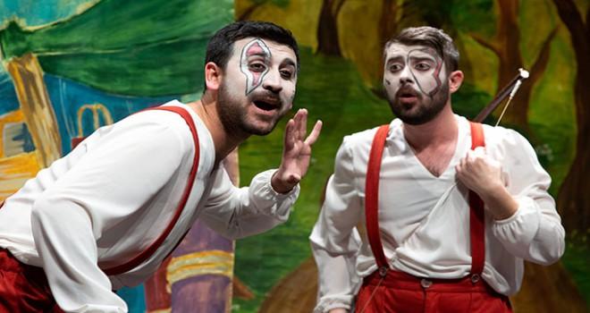 Çocukların karne hediyesi tiyatro oyunu oldu
