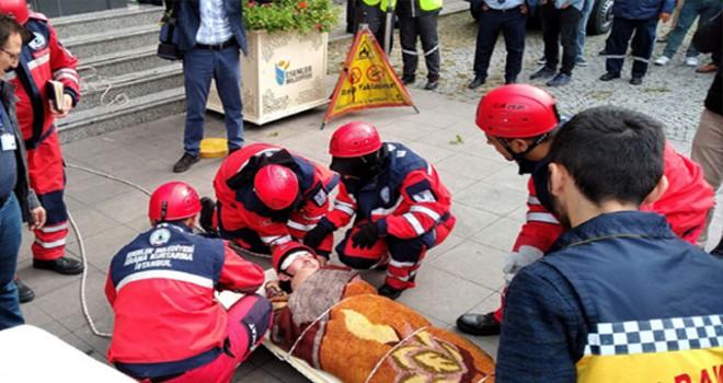Esenler'de deprem tatbikatı yapıldı