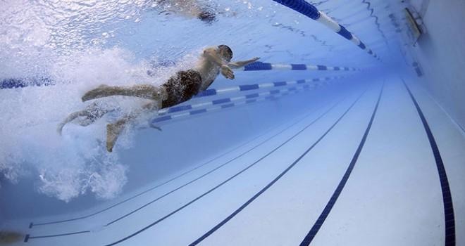 Yüzme havuzunun klor gazı borusu patladı: 32 kişi hastaneye kaldırıldı