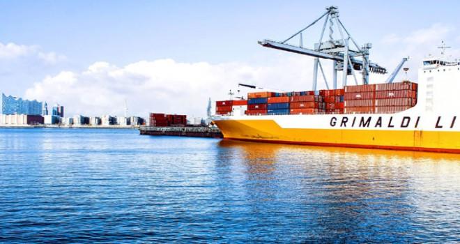 Petrol taşıyan onlarca gemi hurda haline getirildi
