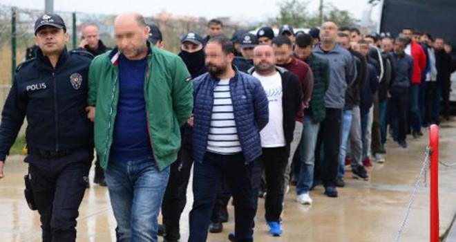 Adana'da büyük operasyon! Aralarında polis memuru da var