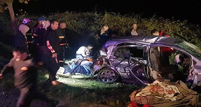 Ölüm yolunda cip ile otomobil çarpıştı: 5 ölü, 4 yaralı