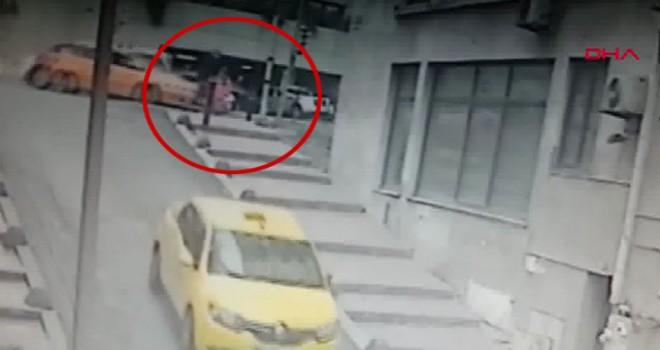 Beyoğlu'nda feci kaza kamerada