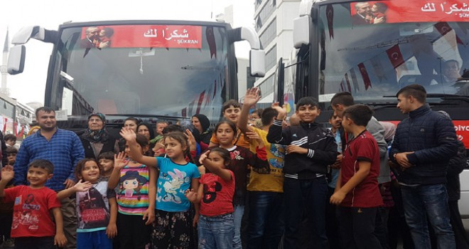 Esenyurt'ta yaşayan Suriyeliler ülkelerine dönüyor