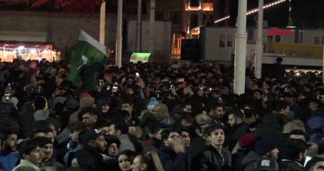 Taksim Meydanı'na yabancı akını