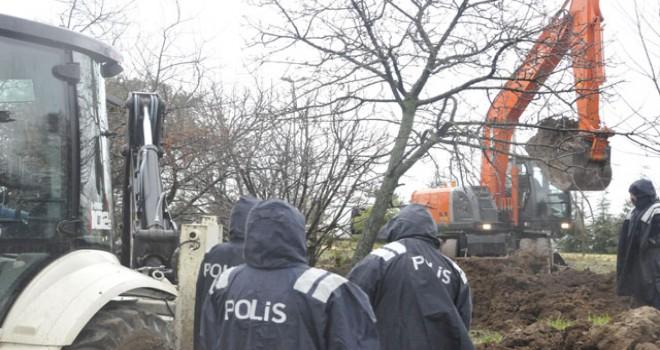 Kayıp anne- kızın cesetlerinin bulunması için kazı başlatıldı