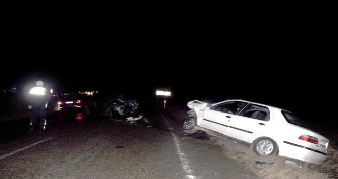 Tekirdağ'da iki otomobil çarpıştı: 3 yaralı