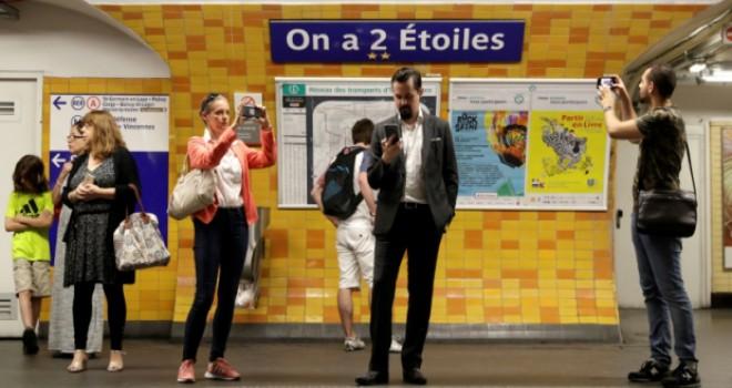 Paris metrosundaki durak isimlerine şampiyonluk güncellemesi