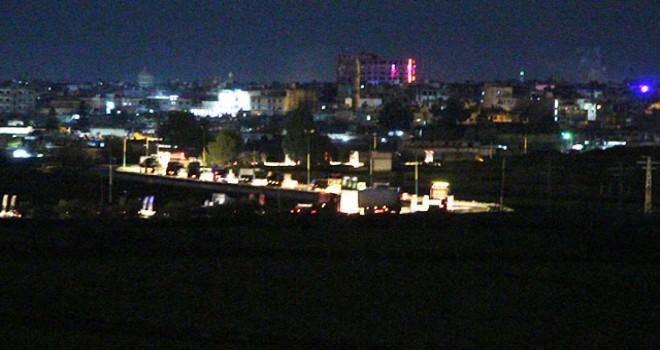 ABD'ye ait olduğu belirtilen askeri konvoy hareket halinde görüntülendi