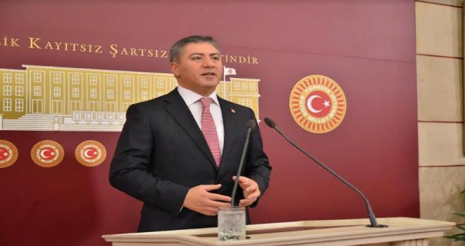 CHP'DEN MAHİR ÜNAL' A YANIT: ' ÜNAL ALGI OPERASYONU YAPMAYI BIRAKSIN'