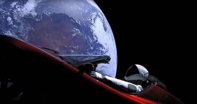 Uçan otomobil Mars'ı ıskalayacak
