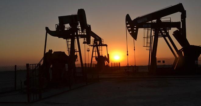 Petrol fiyatları OPEC kısıntılarıyla yüzde 2.0'in üzerinde yükseldi