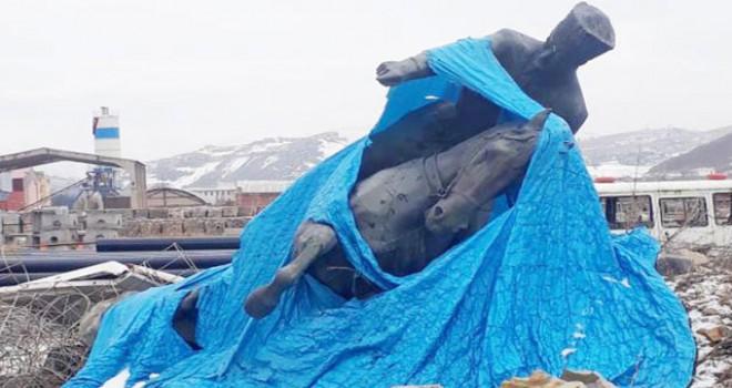 Bayburt'ta, 'Atatürk heykeli' tartışması