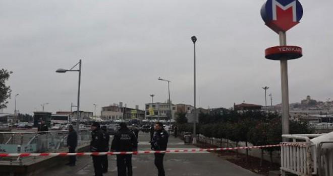 Yenikapı'da şüpheli valiz fünye ile patlatıldı