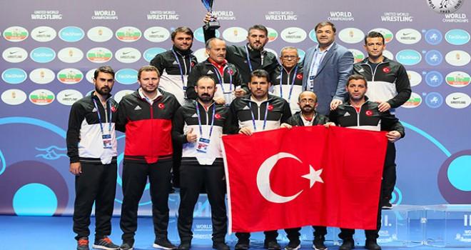 Türkiye, Dünya Güreş Şampiyonası'nı 3'üncü tamamladı