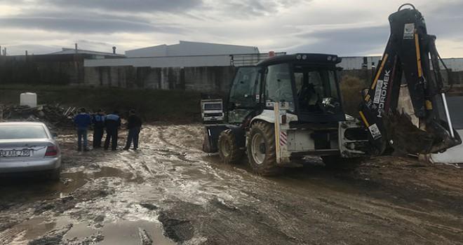Tuzla'da boş araziye kimyasal atık gömmüşler: 5 gözaltı