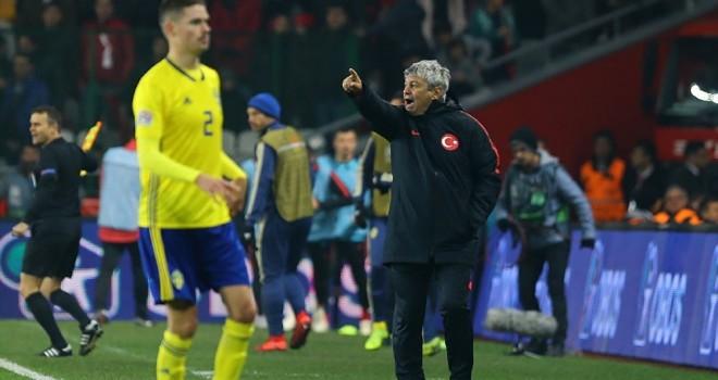 Türkiye'nin C ligine düştüğü İsveç maçının ardından Lucescu: Kendi kulüplerinde oynasalardı bu hataları yapmazlardı