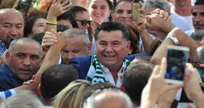 Bodrum Belediye Başkanı Mehmet Kocadon, görevine döndü