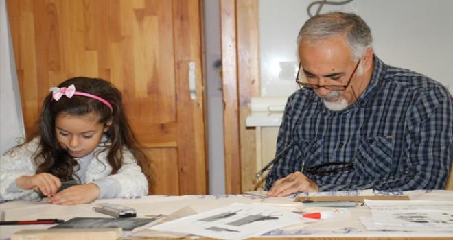 Kadıköy'de 'Ahşap Oyuncak Atölyeleri' başladı