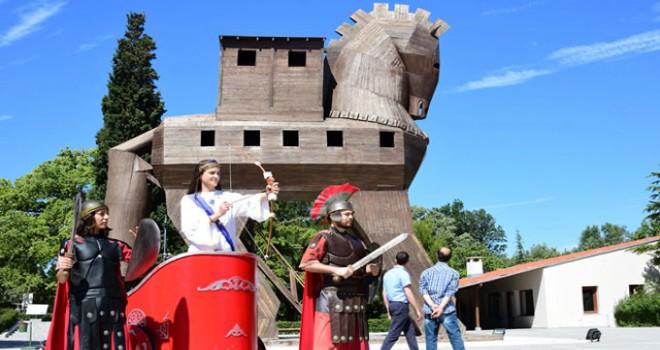 Troya, 531 bin 530 ziyaretçiyle rekor kırdı
