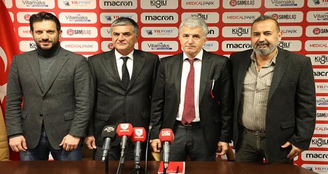 TFF'den istifa eden Yücel Uyar, Yılport Samsunspor'a imza attı