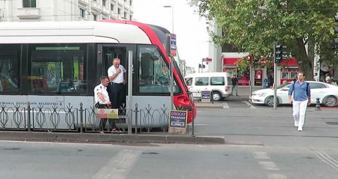 Tramvayın çarptığı Japon turist hayatını kaybetti