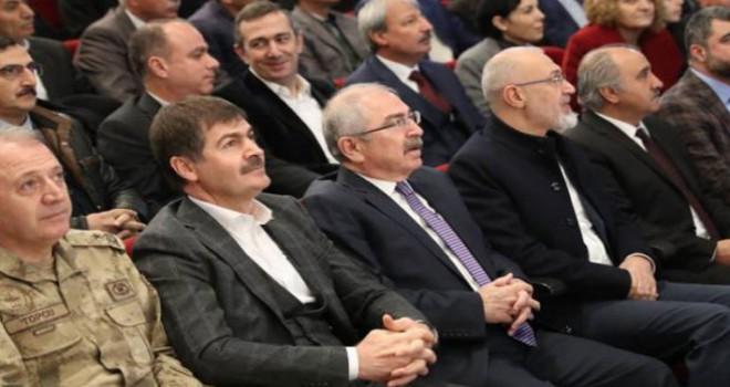 Mardin'de kayyum muhtarları topladı AKP'ye oy istedi