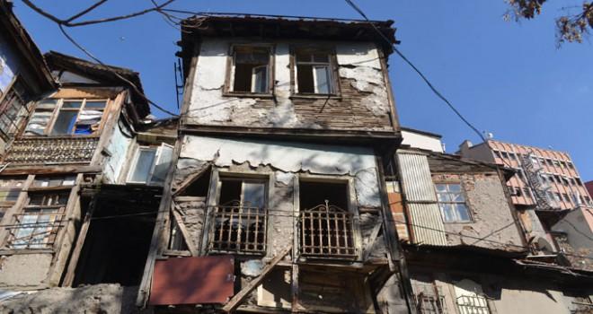 İstiklal Mahallesi evleri restore edilmeyi bekliyor