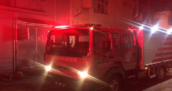 Yangında, iş yerinde mahsur kalan Suriyeliyi itfaiye kurtardı