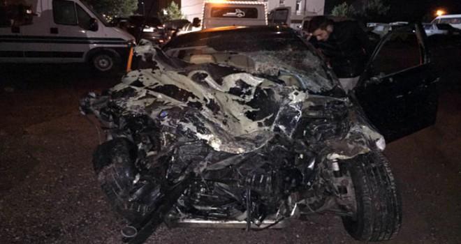 Sivas'ta kamyonet ile otomobil çarpıştı: 6 yaralı