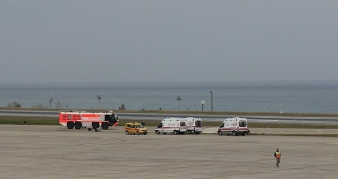 Trabzon Havalimanı'nda ambulans uçak acil iniş istedi