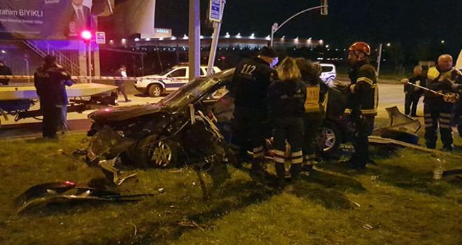 Kocaeli'de 2 otomobil çarpıştı: 1 ölü