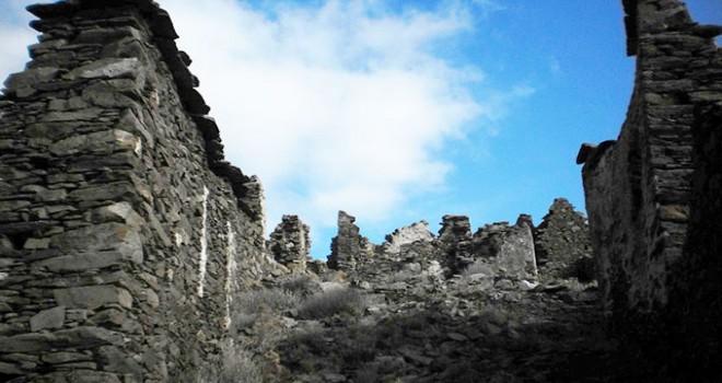 Karaburun'un tarihi köyünde inceleme