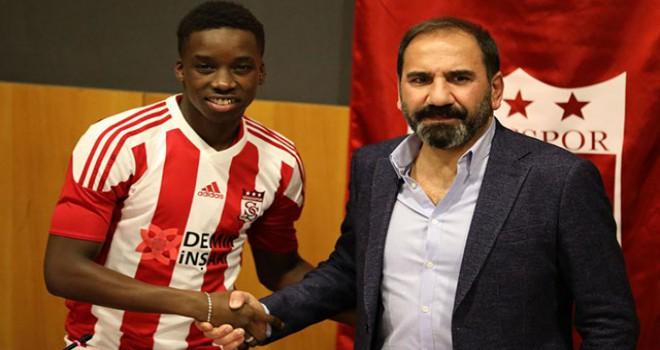 Demir Grup Sivasspor, Diabate ile sözleşme imzaladı
