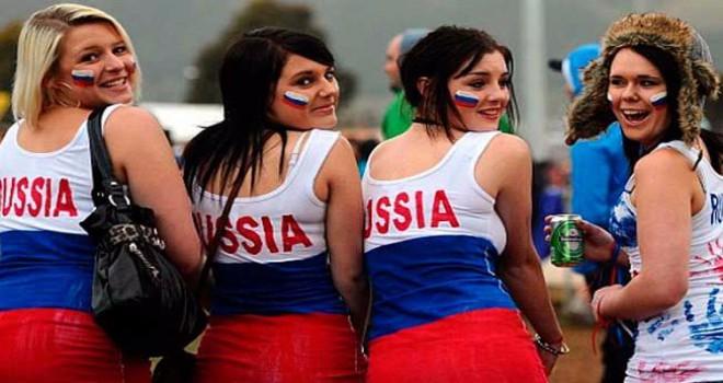 Rus kadınlara 'yabancı taraftarlarla cinsel ilişkiye girmeyin' çağrısı