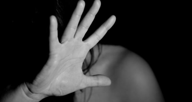 Kadına ''şiddet görsen de sus'' önerisi
