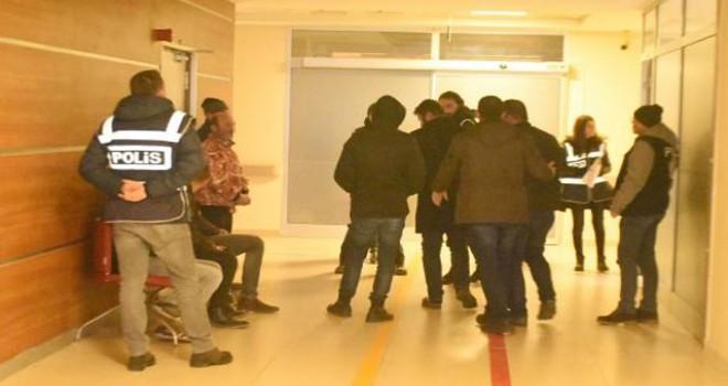 FETÖ şüphelilerini yurt dışına kaçıran 19 kişi tutuklandı