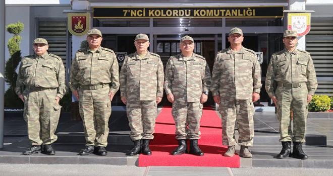 Komutanlar Diyarbakır'da inceleme ve denetlemelerde bulundu