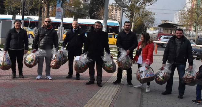 Metro işçilerinden İZBAN işçilerine jest