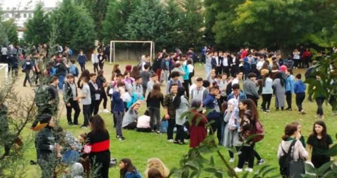 Lisede keskin koku; öğrenciler tahliye edildi