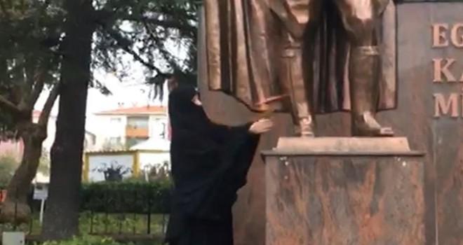 Çorlu'da Atatürk Anıtı'na baltayla saldıran kadın, tedaviye alındı